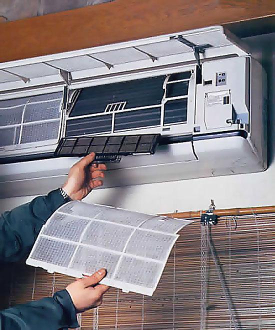 Как правильно почистить фильтра сплит-системы вы увидите на данном рисунке